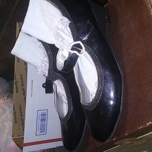 Girls George dance shoes size 3